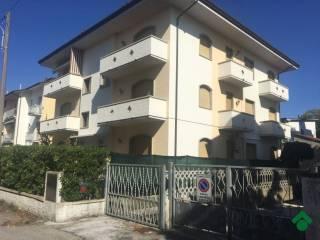 Foto - Trilocale via Curtatone, 5, Lido Di Camaiore, Camaiore