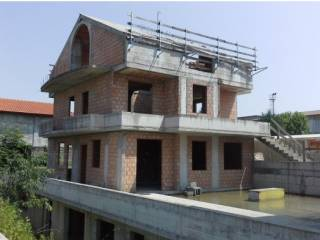 Foto - Terreno edificabile residenziale all'asta a Ossona