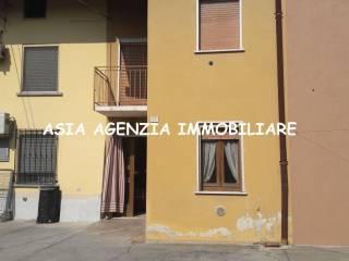 Foto - Casa indipendente via Vittorio Veneto 55, Verolavecchia