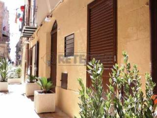 Garage/Box Auto in Affitto: Caltanissetta Appartamento via Giacomo Matteotti, Centro città, Caltanissetta