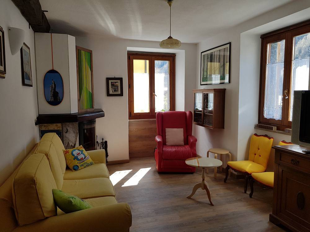 foto  4-room flat via Moizi, Lanzada