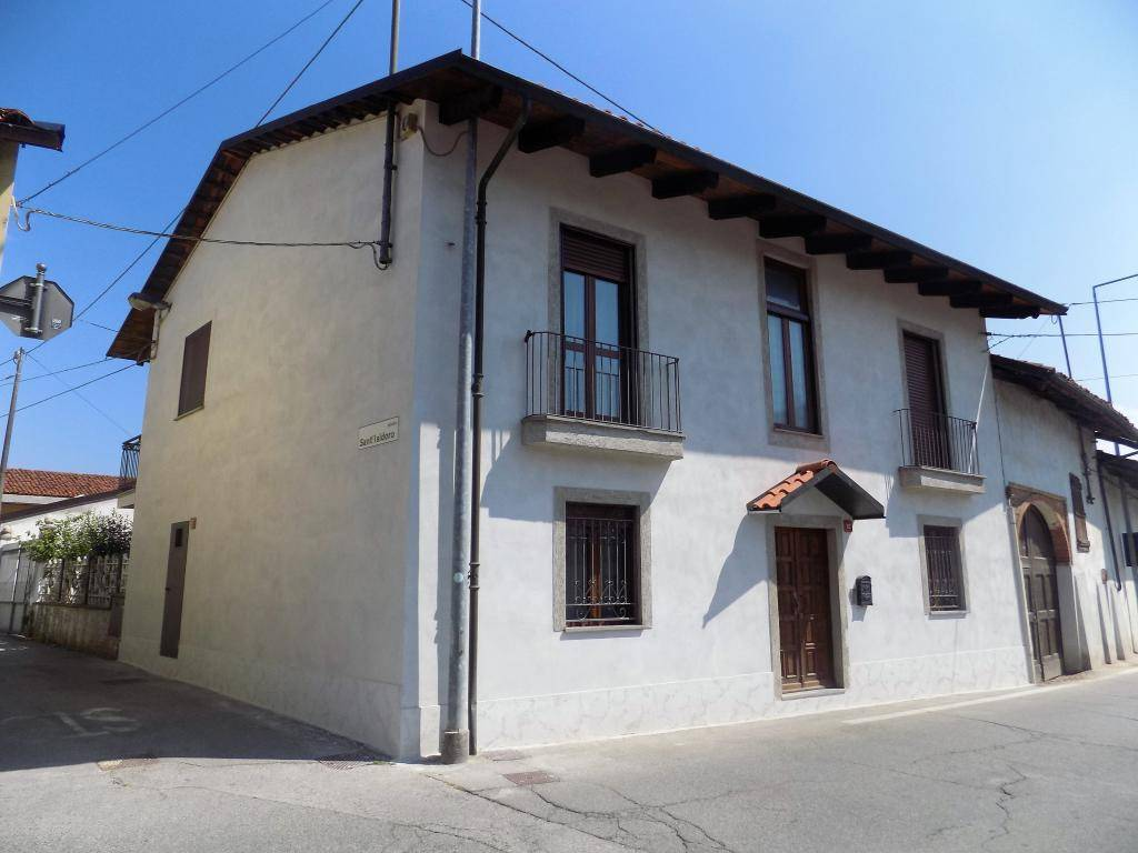 foto esterno Villa plurifamiliare via Lamberti 33, Caramagna Piemonte