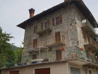 Foto - Quadrilocale frazione Tilly 96, Challand-Saint-Anselme