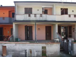 Foto - Villetta a schiera via Cremona 174, Roggione, Pizzighettone