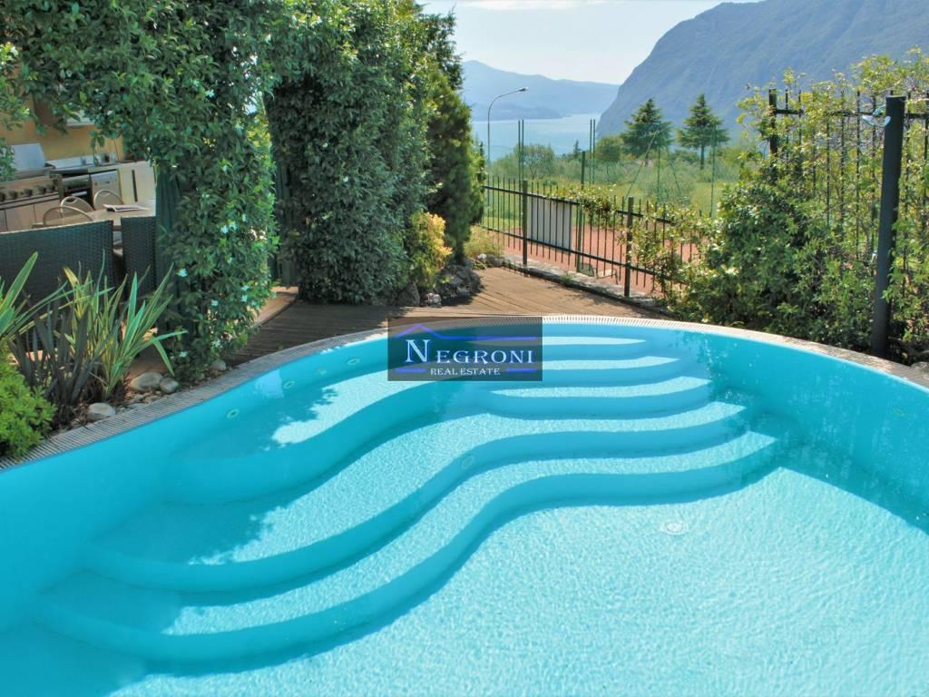 foto piscina Terraced house via Torquato Tasso, Solto Collina