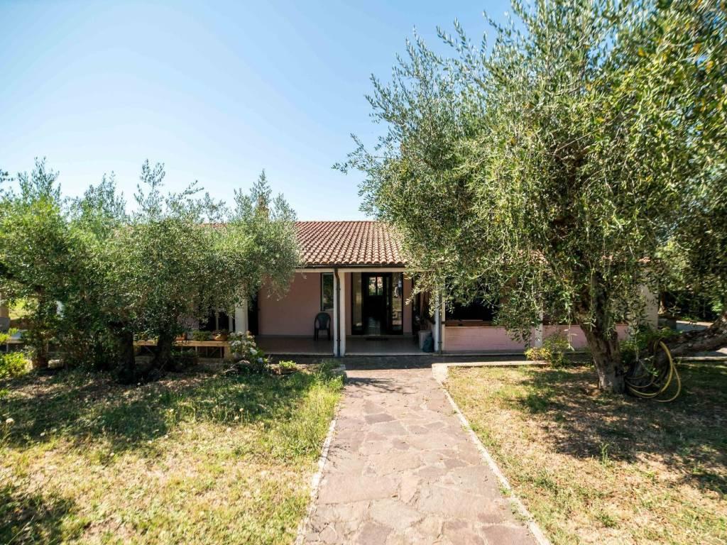 foto Facciata Two-family villa via settevene palo ovest, 19, Trevignano Romano