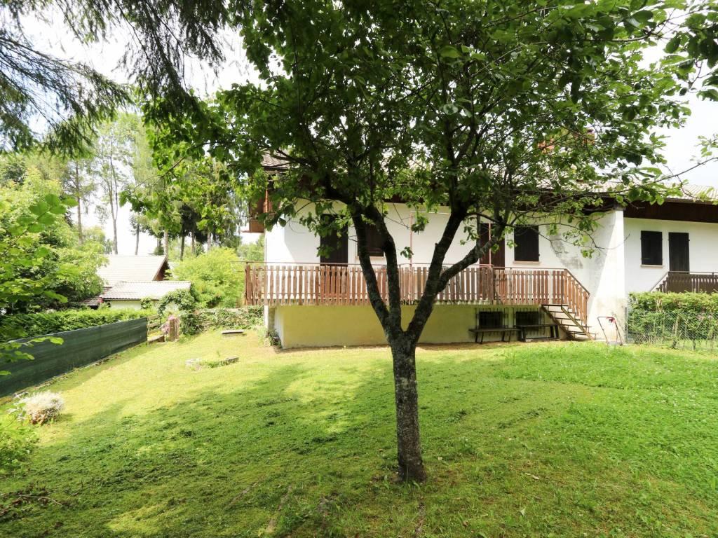 foto esterno Villa via Cornigol, Belluno