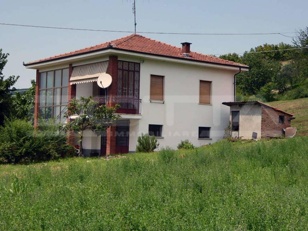 foto  Detached house borgata Pianezzo, Dogliani