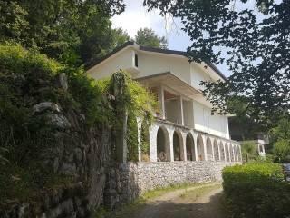 Foto - Villa, da ristrutturare, 300 mq, Arcisate