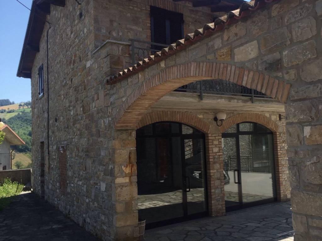 foto  Stabile / Palazzo in Vendita a Romagnese