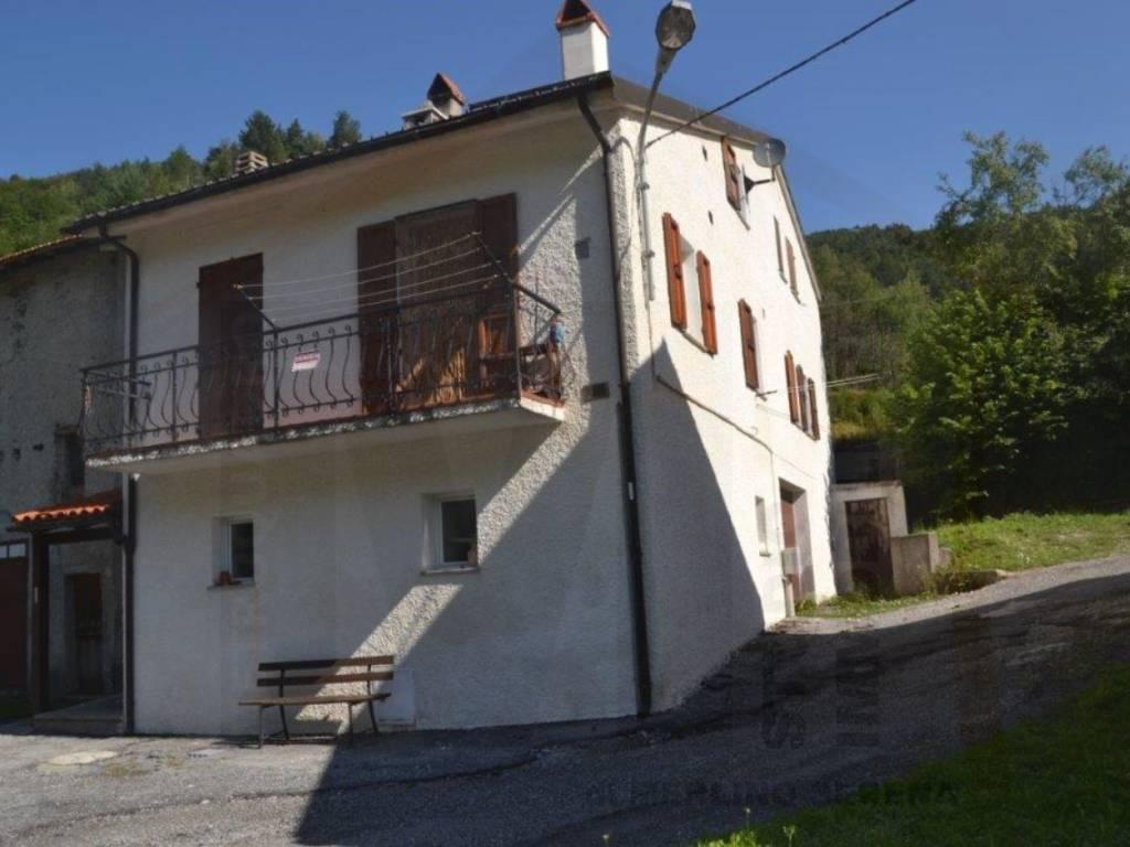 foto  Trilocale frazione Vetria, Calizzano