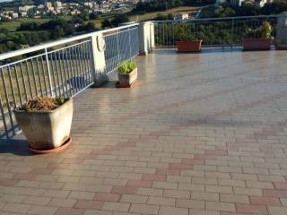 Foto - Appartamento ottimo stato, ultimo piano, Posatora, Ancona