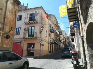 Foto - Trilocale via Giuseppe Garibaldi 16, Castelbuono
