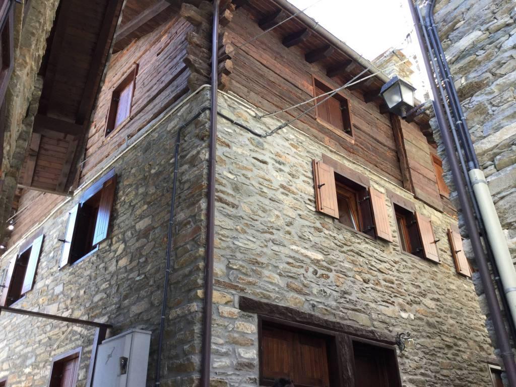 foto  Trilocale frazione Chardonney 60, Champorcher