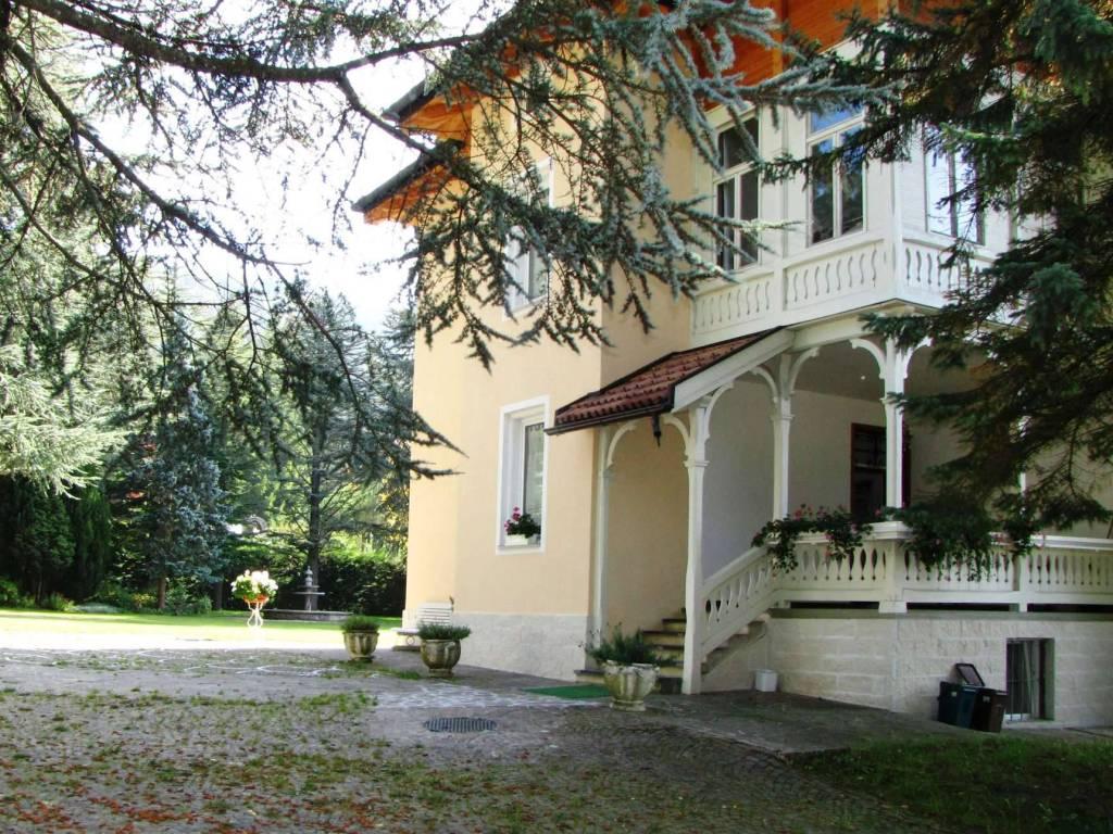 foto CB16 Villa  (24). Villa unifamiliare, ottimo stato, 500 mq, Ronzone
