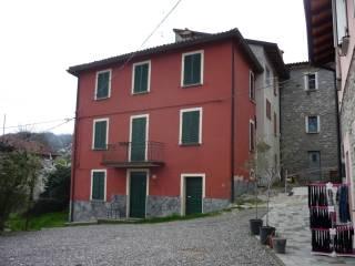 Foto - Casa indipendente Strada Provinciale di Varsi, Varano de' Melegari