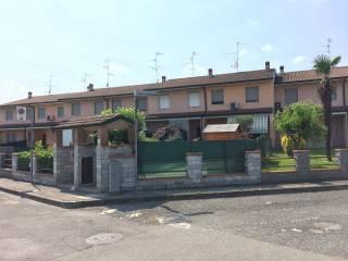 Foto - Villetta a schiera via Antonio Gramsci 32, Castiglione d'Adda