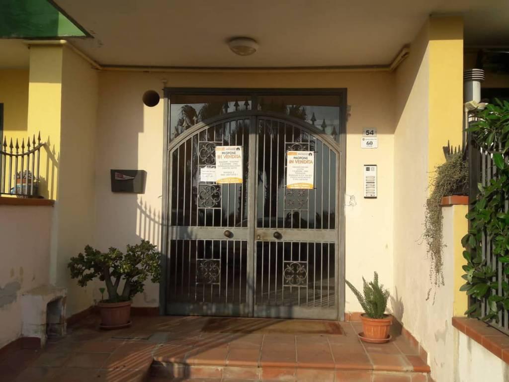 foto PALAZZO Quadrilocale via Moscati, Santa Maria a Vico