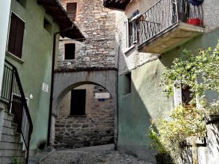 Foto - Casa indipendente vicolo Chiuso Riboni 2, Colazza