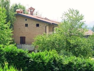 Foto - Casa indipendente via Papa Giovanni XXIII 100, Nobile, Monguzzo