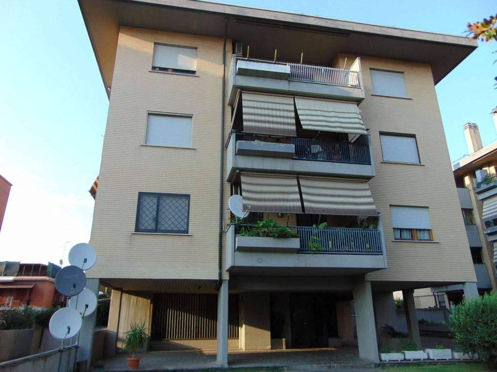foto  Attico / Mansarda via sesto rufo 15, Roma