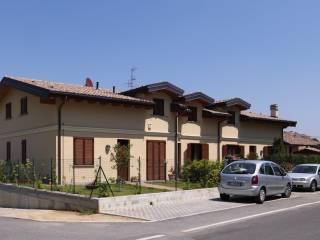 Foto - Villetta a schiera via Giuseppe Verdi, Fenegrò