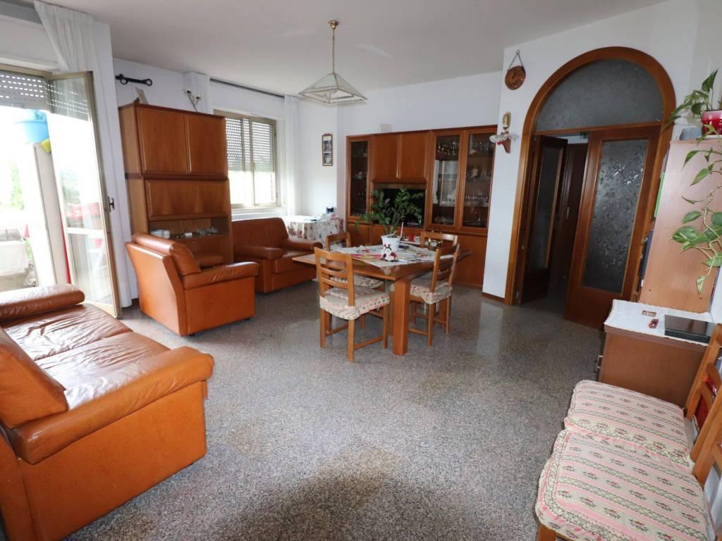 foto soggiorno Appartamento buono stato, primo piano, Sant'Omero