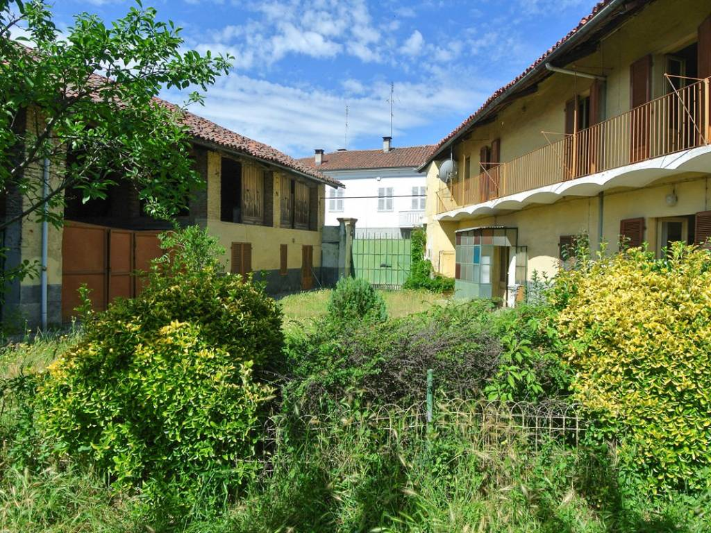 foto  Farmhouse via Pietro Micca 7, Sommariva del Bosco