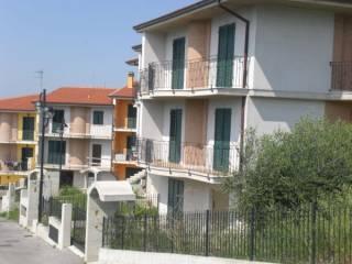 Foto - Villetta a schiera 5 locali, nuova, Castorano