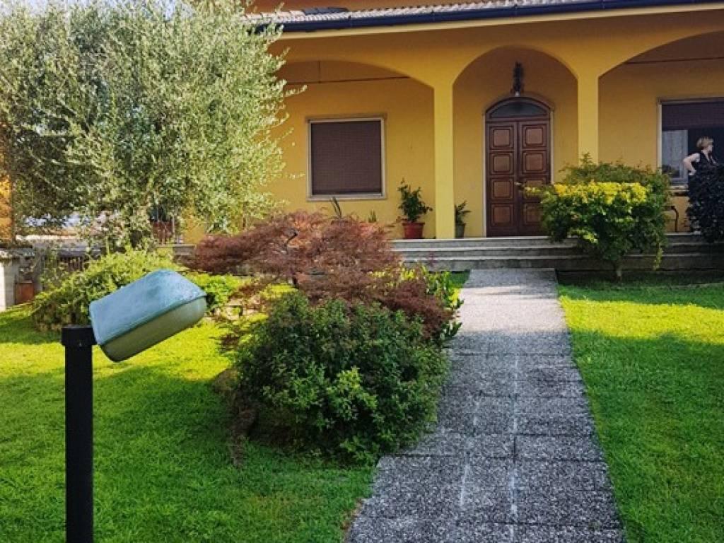 foto Facciata Villa unifamiliare via Giuseppe Mazzini 27, Mairano