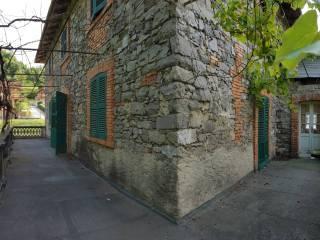 Foto - Rustico / Casale via T  Foresti 41, Solto Collina