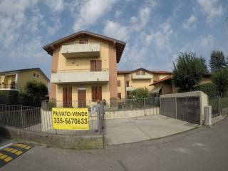 Foto - Appartamento via Benvenuto Cellini, Bonate Sotto
