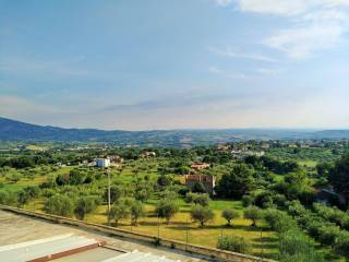 Foto - Terreno edificabile residenziale a Civitaquana