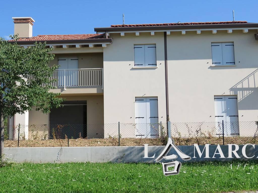 Nuova Serramenti Del Grappa vendita villa bifamiliare in via monte asolone 1 pieve del