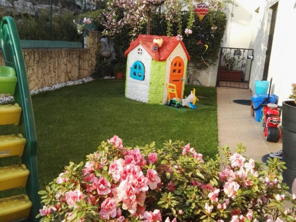 foto giardino giorno Villa a schiera via Piave, Bregano