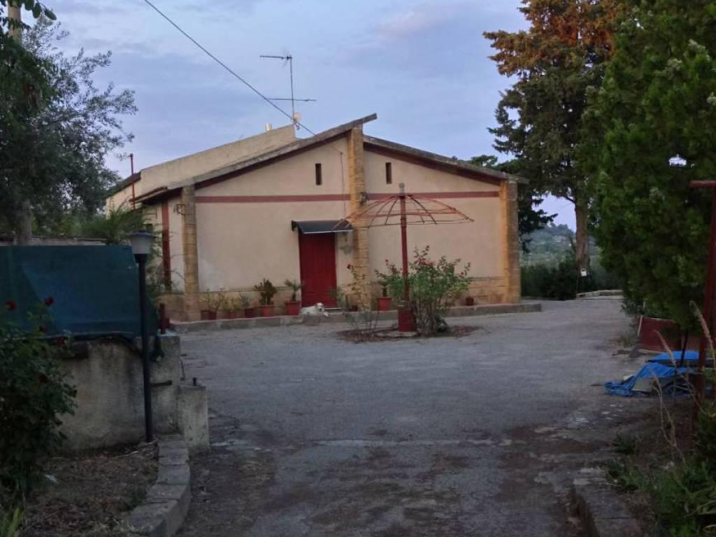 foto  Villa Strada Statale Agrigentina, Caltanissetta