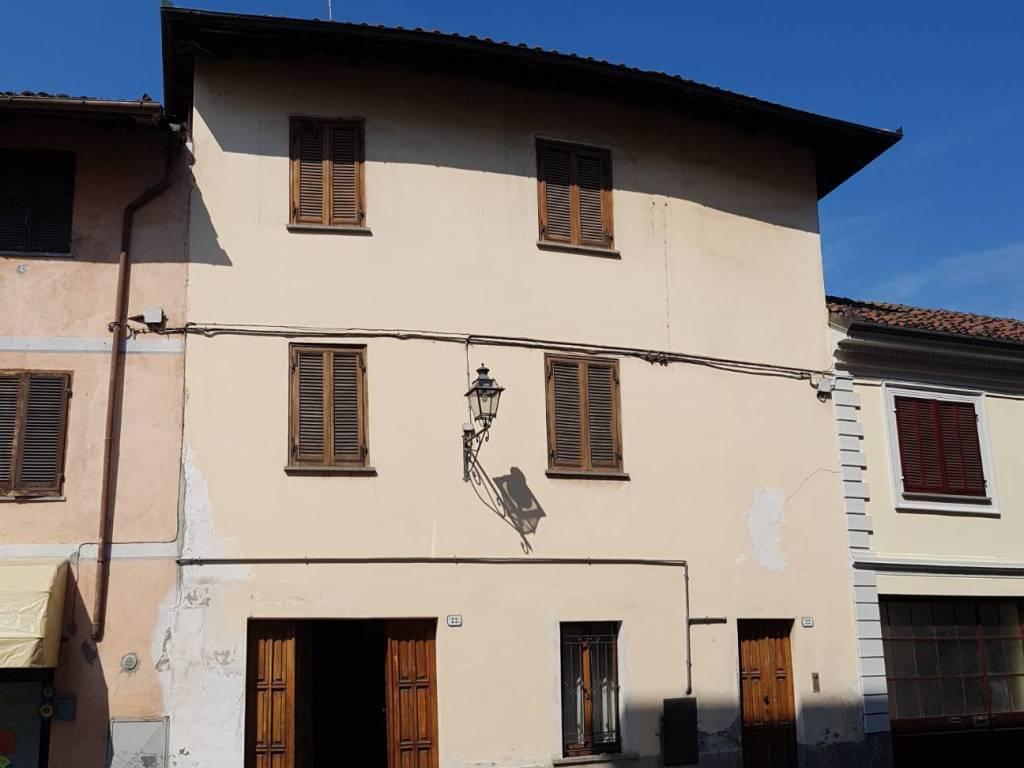 foto Da Strada Stabile o palazzo via Cesare Billia 22, Racconigi