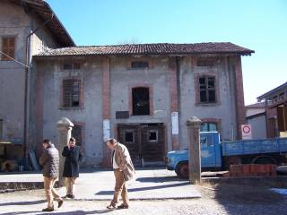 Photo - Building via Roma, Comun Nuovo