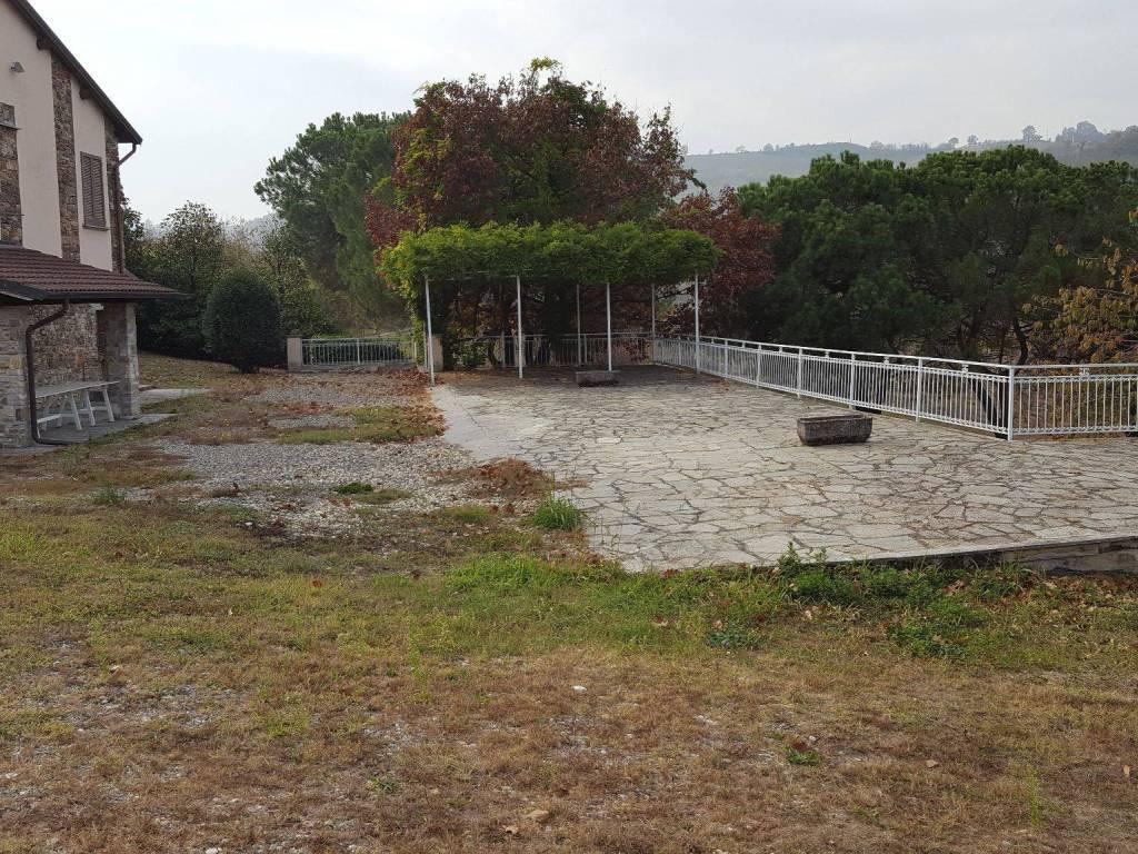 foto  Villa, buono stato, 380 mq, Volpara