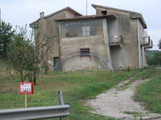 Foto - Casa indipendente Strada Provinciale  Vecchia- Scalo, Apice