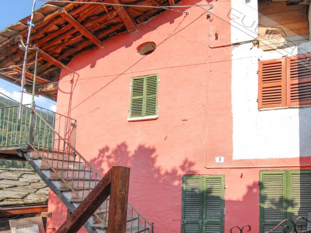 foto  Rustico / Casale Località Fucine, Rorà