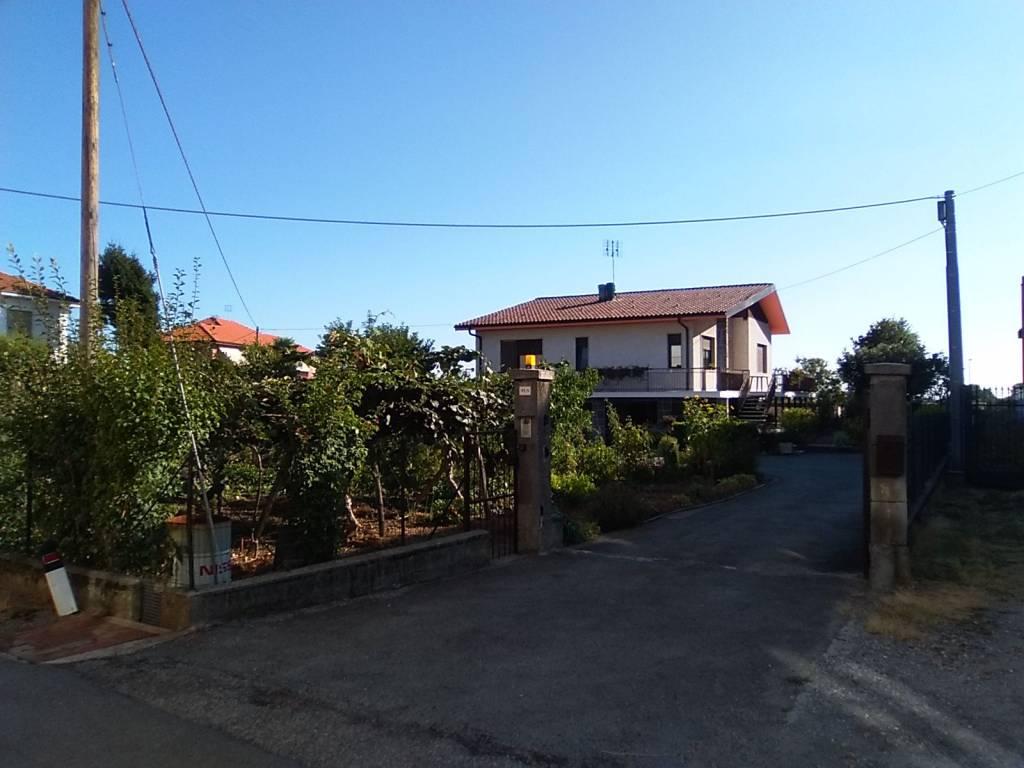 Foto 1 di Villa Via Bra, Cuneo