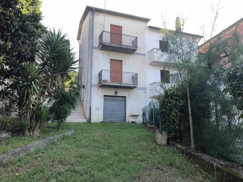 foto fronte Detached house via Cifalella, Colfelice