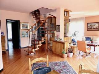 Foto - Appartamento via Silvio Pellico 14, Lesmo
