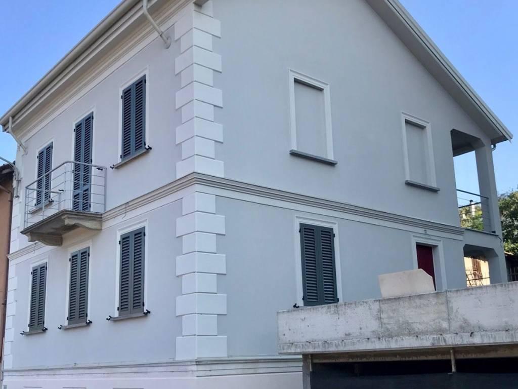 foto esterno Villa via Rose, Stradella