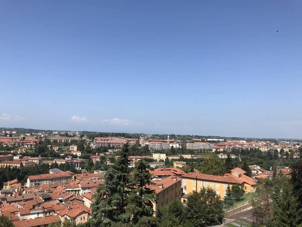 Foto 1 di Trilocale Strada Provinciale Da Breo a Piazza4, Mondovì