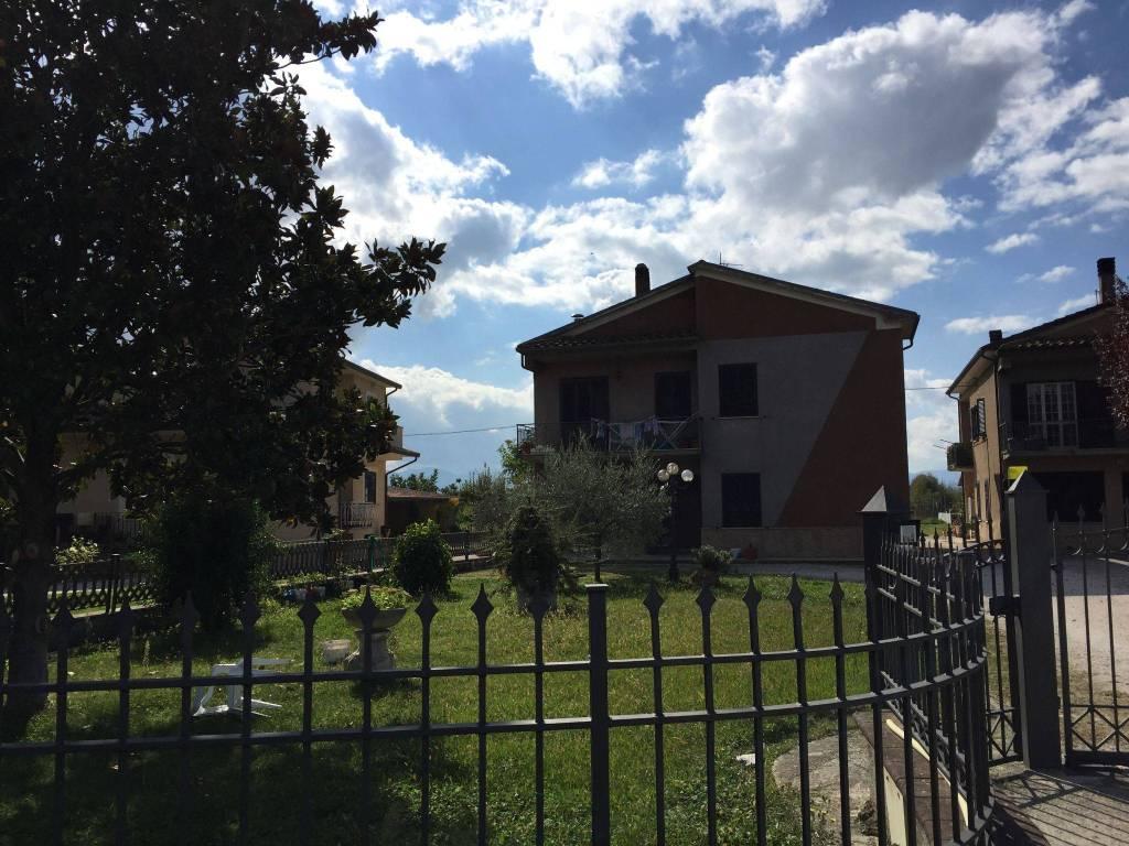 foto  Villa via Nuova 7, Trevi