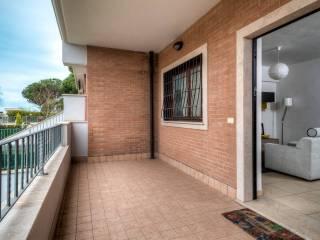 Garage con terrazzo in vendita in zona Monte Migliore, Roma ...