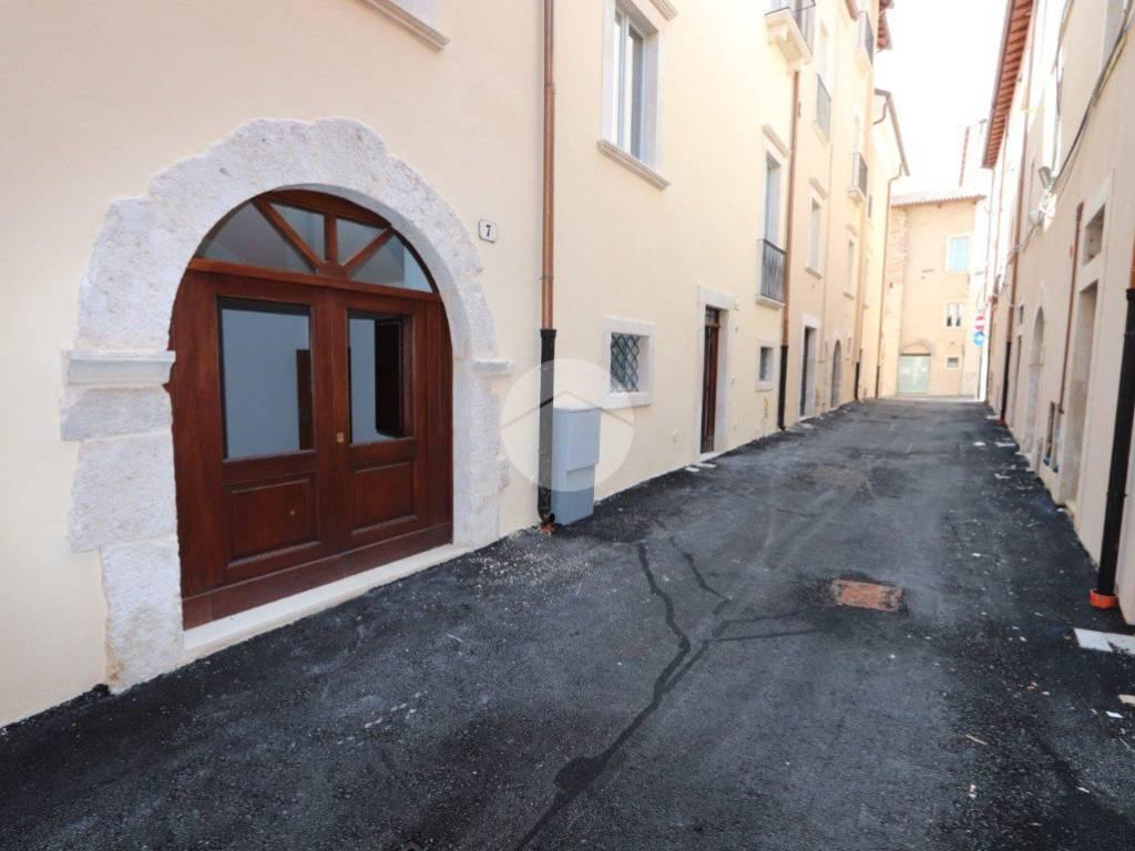 foto Esterno Bilocale via camarda, 7, L'Aquila