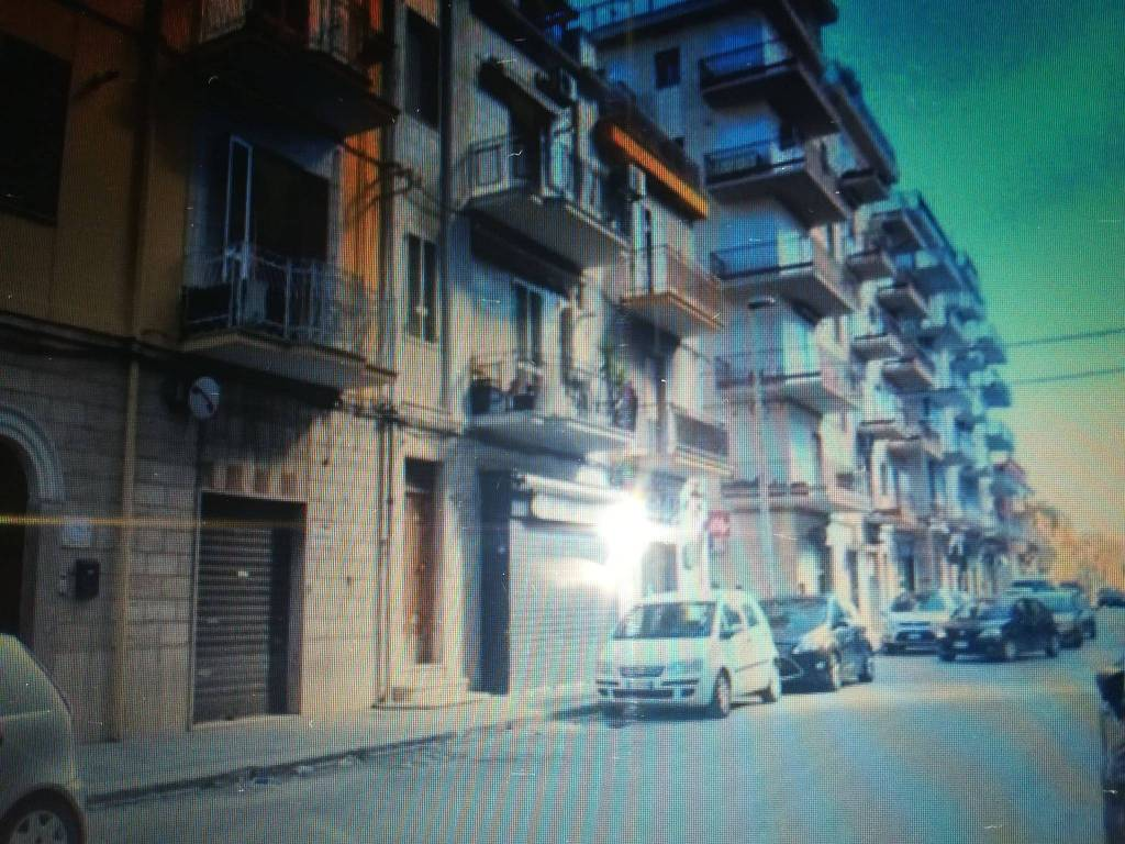 foto  Negozio in Affitto a Manfredonia